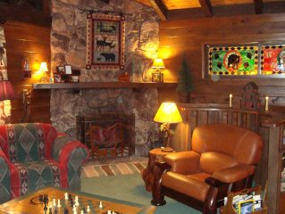 Rocky Top Lodge ~  A One-of-a-Kind Cabin in the Pines ~ Pet Friendly