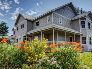 Gorgeous In-Town 5BD/4.5BA House, Wonderful for Entertaining