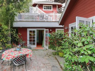 Steps to Capitola Beach and town - Deck with Fire Pit & BBQ on the Soquel Creek!