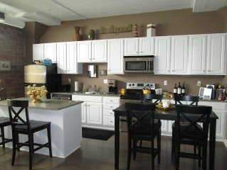 Impeccable Waterfront Condo - Cedar Point, 2bed, 2bath Chesapeake Lofts