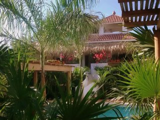 Play pickleball in Villa María B&B's paradise