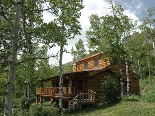 Charming cabin with views of Henry's Lake and only 13 miles to West Yellowstone