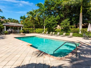 Great location; walk to Beach,Tin City, tennis,and 5th Ave restaurants, shops