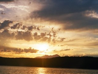 A/C! Awesome! Tides,Sunsets, Mountains-Hood Canal WF
