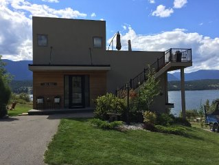Lake Front House With Stunning Views Of Lake Windermere And The Mountains.