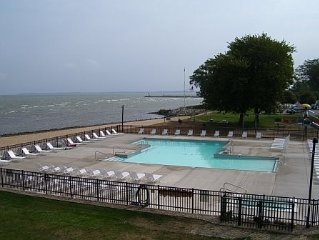 Lake Erie Waterfront Condo - Beach, Pool, Walk to Jet Express