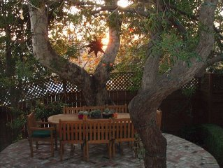 English Cottage in UCLA/Westwood & Century City BOOK NOW FOR SPECIAL DISCOUNT