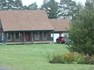 Charming Lake Champlain Home 20 minutes from Middlebury