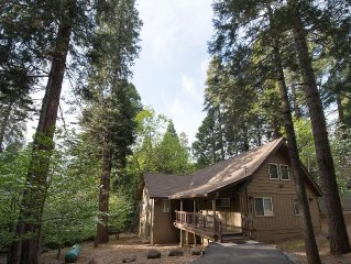 Luxury Cabin in Blue Lake Springs on Sequoia Woods Country Club 17-18th hole.