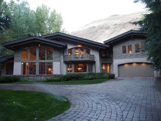Elegant Sun Valley Home Right On Trail Creek!