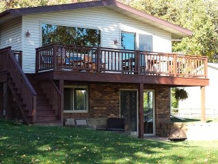 Great Spot on Private Cove-Green Lake - Longterm Rentals Accepted!