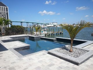 Amazing Bay Views, Pool, Private Boat Dock, Walking Distance to Times Square