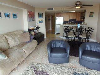 LOOK! Oceanfront Condo, Resort Amenities & Dryer in Unit