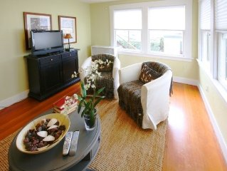 Rockridge Bungalow Outfitted W/Style - Steps to College Ave!