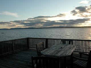 Awesome Lake Front Cottage With Perfect Views And Deck