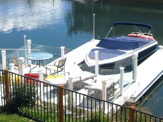 Fabulous Retreat on the Water - Dock, Hot Tub, Home Theater-Pool Table-Wifi