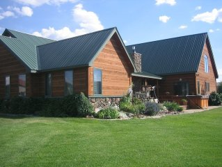 Beautiful Home, Great Location, Hunters Welcome