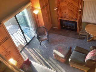Affordable Mountain Resort Retreat - Family Friendly - Superb Location!