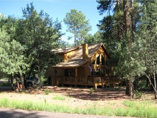Escape to the perfect family mountain cabin in the cool pines