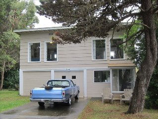 Cozy  Home-1/2 Block to Pebble Beach & Short Drive to Redwoods