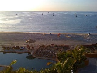 Family Friendly Retreat, Sea of Cortez Sunrises, Beachfront Villa, and Pool Bar!