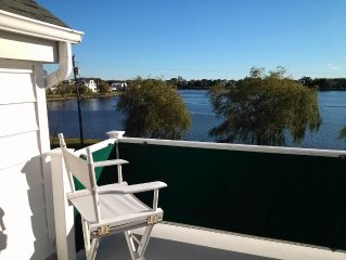 Beautiful Family-friendly House On Wreck Pond, 2.5 Blocks From Beach, Sleeps 12.
