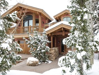 Spacious 4500Sq/Ft - 5 Bed 5.5 Bath - Theater - Ski, Shop, Dine Within Steps!