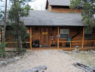 Can-U-Canoe Riverview  3 Bedroom Luxury Cabin with Awesome Views