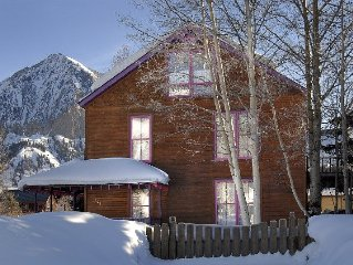 In-Town, Spacious Multi-Level Mountain Home With Gorgeous Views