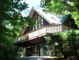 Cozy But Spacious Chalet at Mt. Mitchell Golf Course