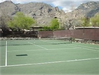 Quiet, Beautifully Furnished, 2BR/2BA Ventana Canyon Condo