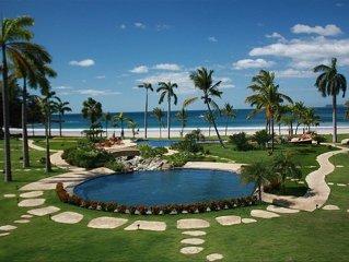 Beachfront Palms Villa on Flamingo Beach - PRIVATE Home at 5 Star Resort!