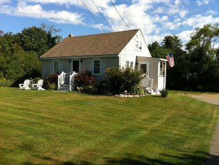 Adorable Cape Within Walking Distance To Beautiful Pine Point Beach!