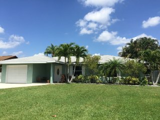 Relax And Unwind In Beautiful Jensen Beach. 3 Bedroom Pool Home