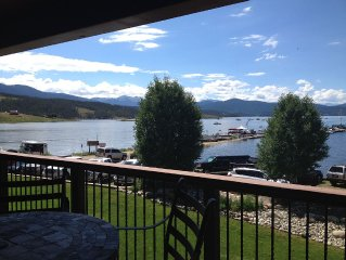 Lakefront on Lake Granby 3br/2.5ba Hot Tub, Mnt/lake view in Grand Lk, sleeps 10