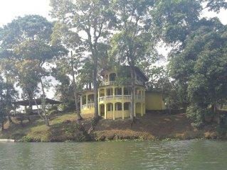 Tropical Waterfront Getaway, Between Panama City & Colon