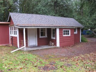 Private, Clean, Quaint Mt. Hood Cabin W/ Infrared Sauna And Woodburning Stove