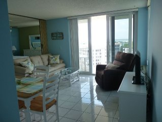 11th floor, spectacular views, newly updated and decorated!  Cheap summer rates!