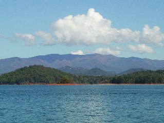 Great Mountain Views On Beautiful Lake Chatuge. Affordable Vacation