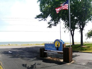 Lake Erie Condo, Boatslip, Easy Access to Island