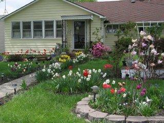 Quaint Country-Style Cottage On Seneca Lake