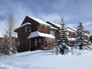 Enjoy a mountain getaway, with so many amenities.