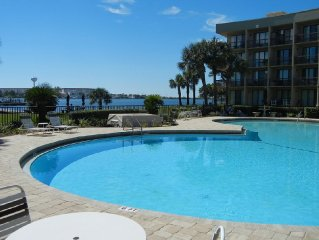 Waterfront Relaxation on Santa Rosa Sound in Fort