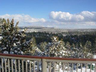Spectacular Mountain Views Cabin Retreat