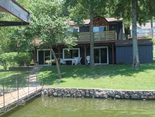 Lake front cottage is perfect in every season, checkout winter rates!