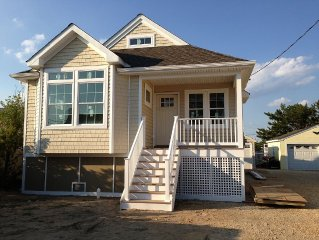 Brand New Cottage on Beach Block!    Only 7 houses to the beach!