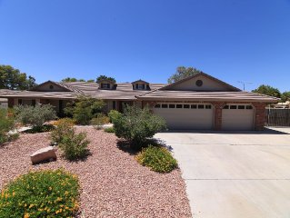Luxurious Single Story With Pool/Spa,  Minutes From Las Vegas Strip & Airport!