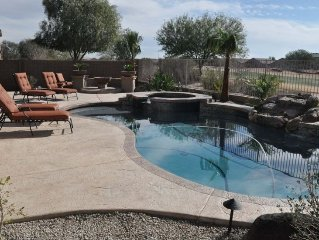 Luxurious Executive 3000sq Ft 4 Bdr House with Heated Pool&Spa