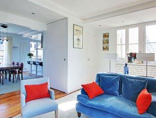 St Germain des Pres luxury  2  Bedroom  - sleeps 4 near Bon Marche