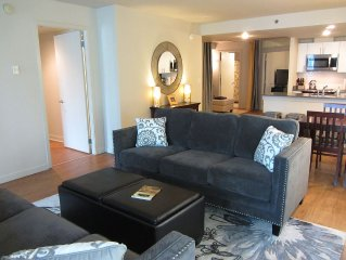 Best Seattle Location ~ Pike Pl Market 1 Blk ~ Almost 1400 Sq Ft ~ Sleeps 8!
